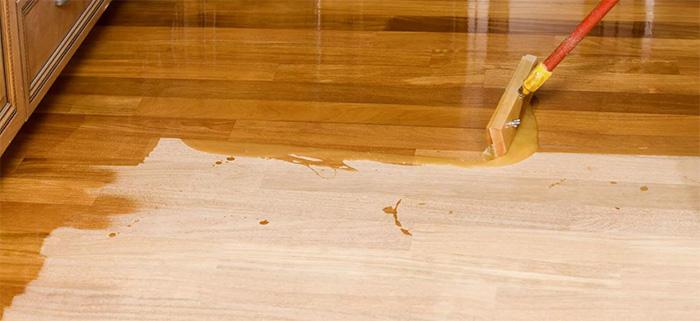 Hardwood flooring installation varnishing 1