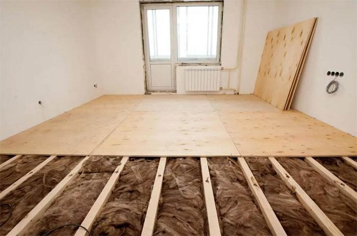 Preparation of the base before hardwood flooring installation
