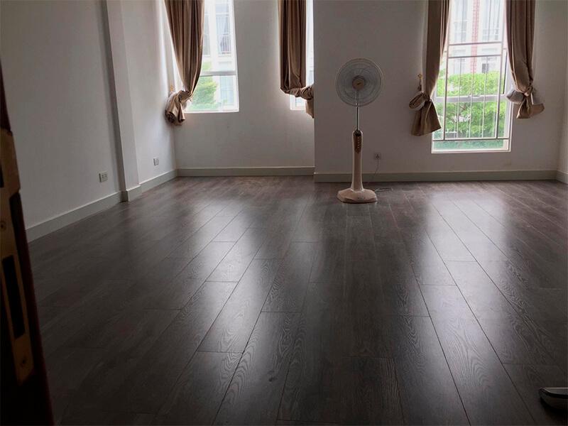 Laminate Flooring Repairing