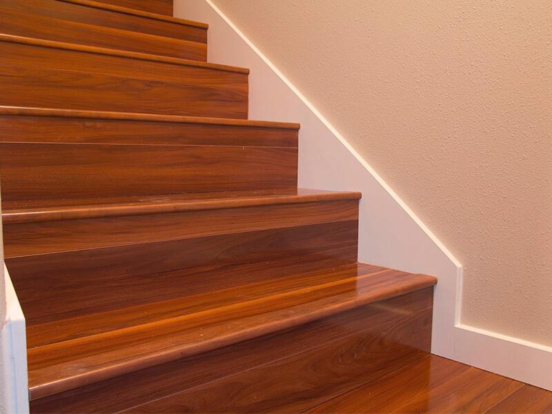 Laminate-Stairs-Installation-2